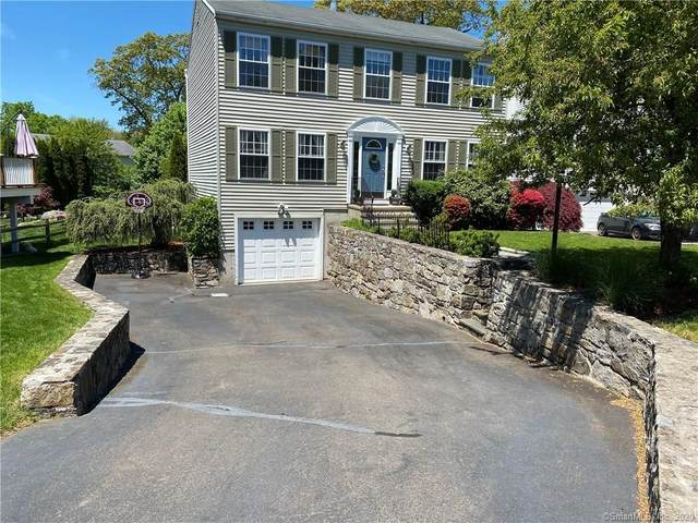 7 Lacey Lane, Norwalk, CT 06854 (MLS #170297216) :: Team Feola & Lanzante | Keller Williams Trumbull