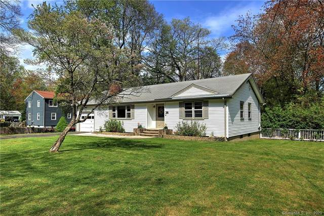 34 Garnet Road, Trumbull, CT 06611 (MLS #170298710) :: Carbutti & Co Realtors