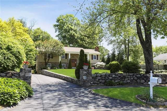 68 Hollow Tree Ridge Road, Darien, CT 06820 (MLS #170299388) :: The Higgins Group - The CT Home Finder