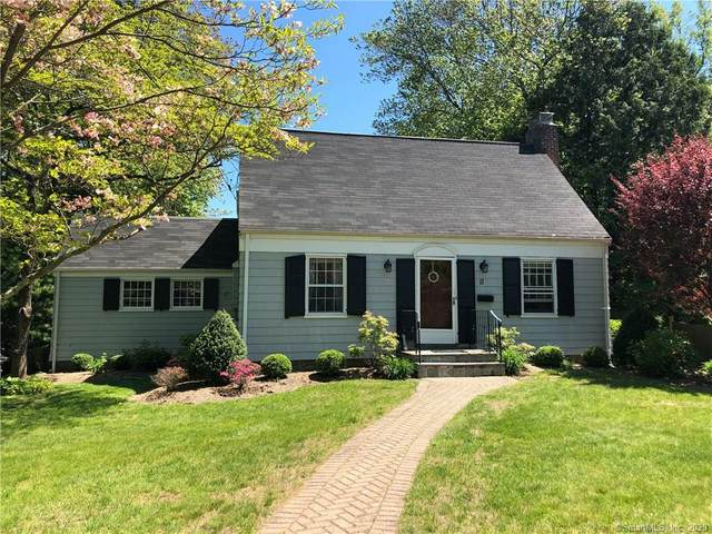 11 Brookmere Drive, Fairfield, CT 06824 (MLS #170300233) :: The Higgins Group - The CT Home Finder