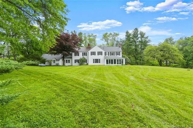 52 Turtle Back Road, New Canaan, CT 06840 (MLS #170302090) :: The Higgins Group - The CT Home Finder