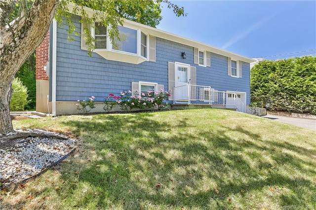 27 Lakewood Drive, Norwalk, CT 06851 (MLS #170305236) :: Michael & Associates Premium Properties | MAPP TEAM