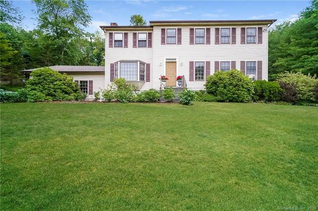 15 Lakecrest Drive, Danbury, CT 06811 (MLS #170309708) :: Kendall Group Real Estate | Keller Williams