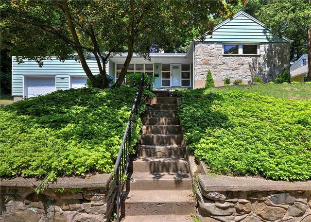105 Marvelwood Drive, New Haven, CT 06515 (MLS #170311057) :: Carbutti & Co Realtors