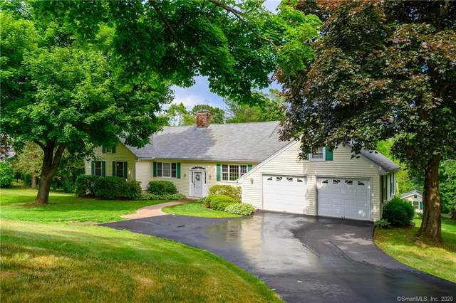 4 King Street, Newtown, CT 06470 (MLS #170311184) :: Frank Schiavone with William Raveis Real Estate
