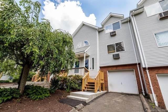 925 Oronoke Road 25D, Waterbury, CT 06708 (MLS #170314301) :: Frank Schiavone with William Raveis Real Estate