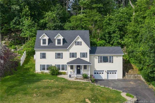 81 N Lake Shore Drive, Brookfield, CT 06804 (MLS #170314874) :: Kendall Group Real Estate | Keller Williams