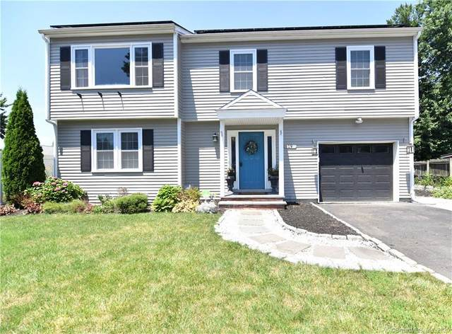 19 Oakledge Circle, Norwalk, CT 06854 (MLS #170315318) :: Kendall Group Real Estate | Keller Williams