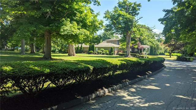 63 S Main Street, Essex, CT 06426 (MLS #170320450) :: Frank Schiavone with William Raveis Real Estate