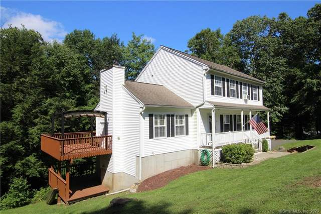 40 Lakeview Terrace, Newtown, CT 06482 (MLS #170320957) :: Around Town Real Estate Team