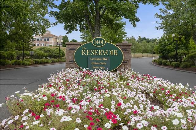 65 Cassandra Boulevard #205, West Hartford, CT 06107 (MLS #170321607) :: Hergenrother Realty Group Connecticut