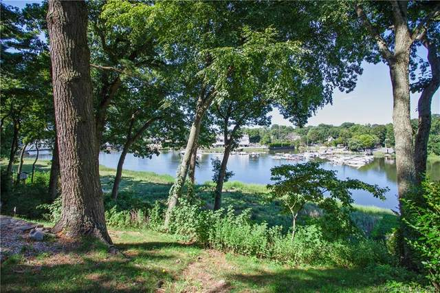 15 Wakeman Place, Westport, CT 06880 (MLS #170321706) :: The Higgins Group - The CT Home Finder