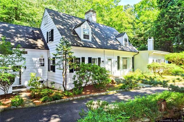 8 Lakewood Drive, Stamford, CT 06903 (MLS #170321783) :: Frank Schiavone with William Raveis Real Estate
