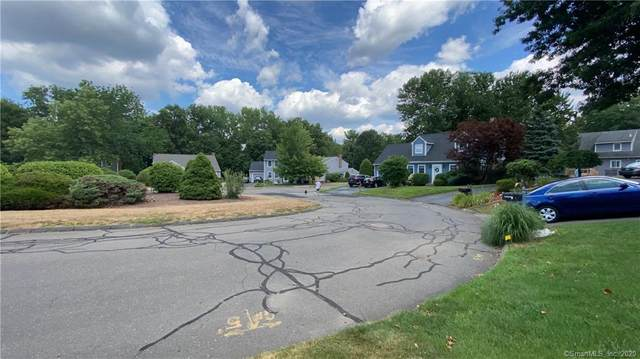 46 Lakewood Drive #46, South Windsor, CT 06074 (MLS #170322573) :: Hergenrother Realty Group Connecticut