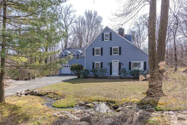11 E Meadow Road, Wilton, CT 06897 (MLS #170323154) :: The Higgins Group - The CT Home Finder