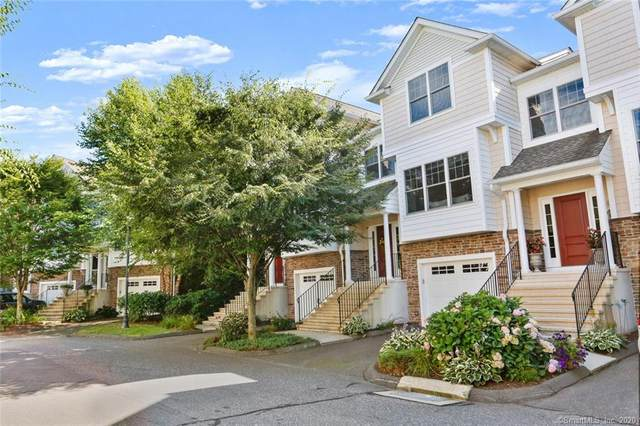 802 Woodland Hills Drive #802, Trumbull, CT 06611 (MLS #170323401) :: Frank Schiavone with William Raveis Real Estate