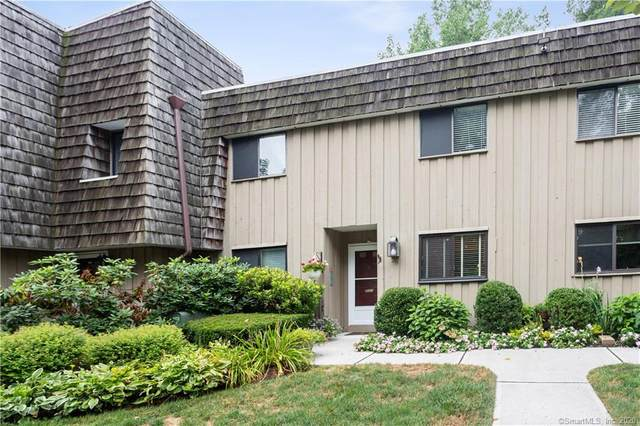 25 Ledgebrook Drive #25, Norwalk, CT 06854 (MLS #170324141) :: Frank Schiavone with William Raveis Real Estate
