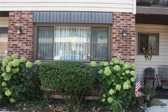 140 Thompson Street 18D, East Haven, CT 06513 (MLS #170324505) :: Carbutti & Co Realtors