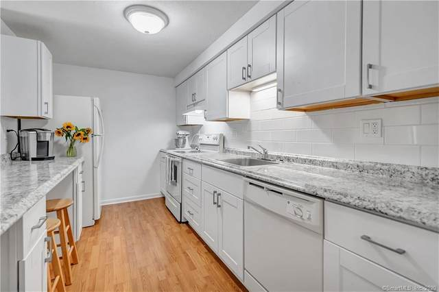 25 Florence Road #7, Branford, CT 06405 (MLS #170324590) :: The Higgins Group - The CT Home Finder