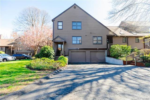 58 Stillmeadow Circle #58, Monroe, CT 06468 (MLS #170324618) :: The Higgins Group - The CT Home Finder