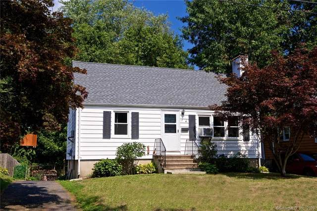26 Lakeview Drive, Norwalk, CT 06850 (MLS #170325232) :: The Higgins Group - The CT Home Finder