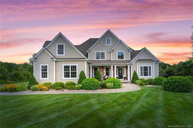 1052 N Grand Street, Suffield, CT 06093 (MLS #170325319) :: The Higgins Group - The CT Home Finder
