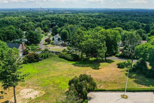92 Stoner Drive, West Hartford, CT 06107 (MLS #170325740) :: Team Feola & Lanzante | Keller Williams Trumbull