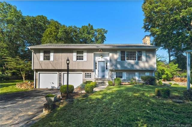 19 Woodfield Drive, Trumbull, CT 06611 (MLS #170328461) :: The Higgins Group - The CT Home Finder