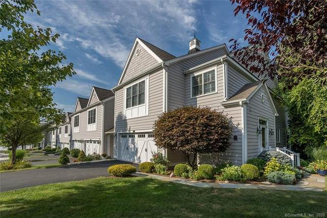45 Great Heron Lane #45, Brookfield, CT 06804 (MLS #170328568) :: The Higgins Group - The CT Home Finder