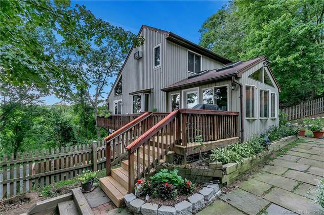 3 Topledge Road, Redding, CT 06896 (MLS #170331908) :: The Higgins Group - The CT Home Finder