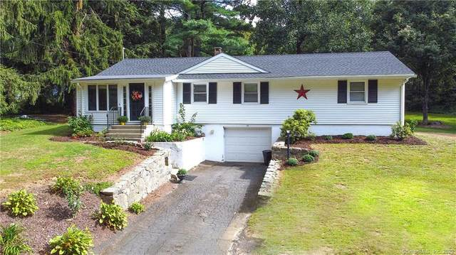 15 Flat Swamp Road, Newtown, CT 06470 (MLS #170334657) :: The Higgins Group - The CT Home Finder