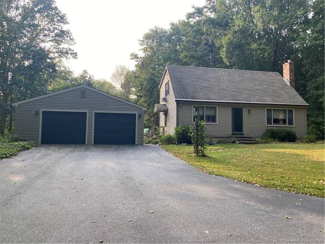 4 Willow Drive, Montville, CT 06382 (MLS #170336907) :: Frank Schiavone with William Raveis Real Estate