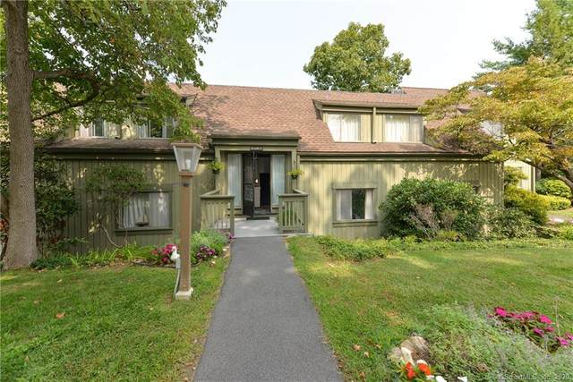 35 Heritage Village B, Southbury, CT 06488 (MLS #170337358) :: The Higgins Group - The CT Home Finder