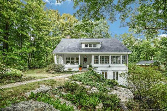 37 Locust Hill Road, Darien, CT 06820 (MLS #170337722) :: Frank Schiavone with William Raveis Real Estate