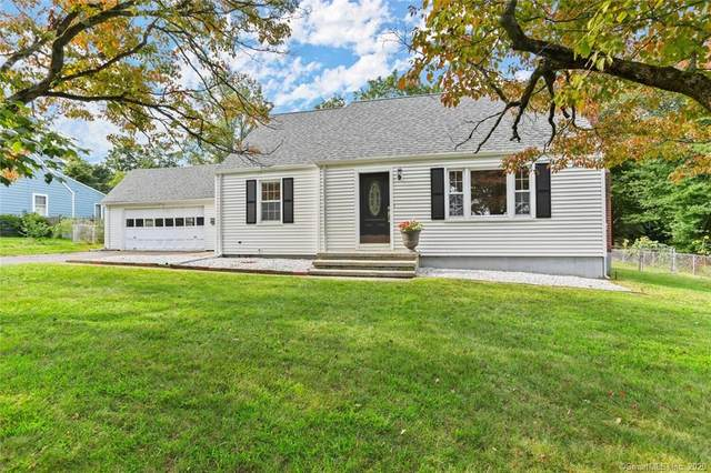 135 Tuller Road, Fairfield, CT 06825 (MLS #170338246) :: Frank Schiavone with William Raveis Real Estate