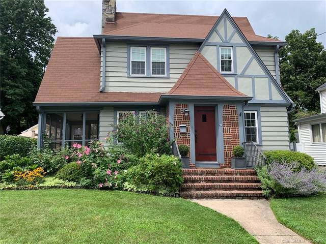 25 Raymond Terrace, Norwalk, CT 06855 (MLS #170339366) :: Frank Schiavone with William Raveis Real Estate
