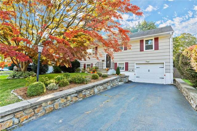22 Heather Lane, Norwalk, CT 06851 (MLS #170339409) :: Frank Schiavone with William Raveis Real Estate