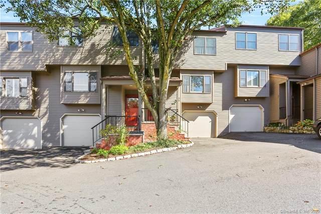 34 Lambert Common, Wilton, CT 06897 (MLS #170342131) :: Mark Boyland Real Estate Team