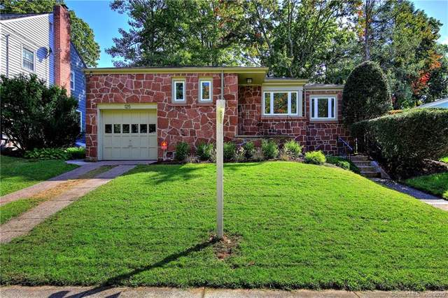 125 Lakeview Terrace, New Haven, CT 06515 (MLS #170342220) :: GEN Next Real Estate