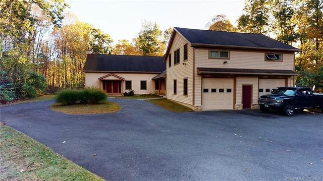 15 Deerfield Drive, Newtown, CT 06482 (MLS #170345016) :: Michael & Associates Premium Properties | MAPP TEAM