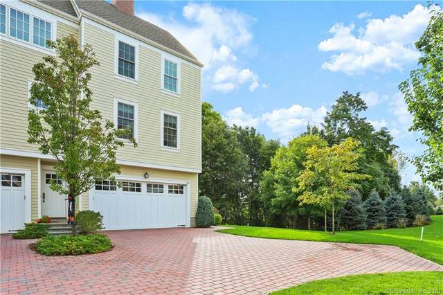 77 Havemeyer Lane #101, Stamford, CT 06902 (MLS #170345181) :: Frank Schiavone with William Raveis Real Estate