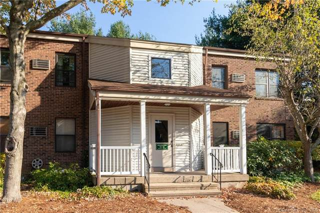 15 Wellington Drive #15, Farmington, CT 06032 (MLS #170345704) :: Michael & Associates Premium Properties | MAPP TEAM