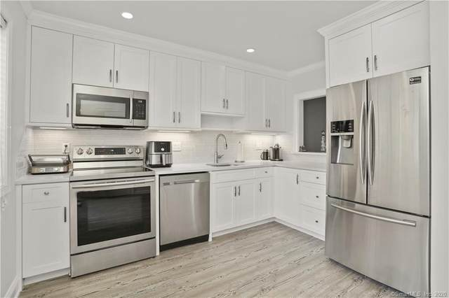 24 East Avenue #3, Stamford, CT 06902 (MLS #170346016) :: Frank Schiavone with William Raveis Real Estate