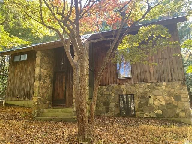 18 Peaceable Street, Redding, CT 06896 (MLS #170347037) :: Kendall Group Real Estate | Keller Williams