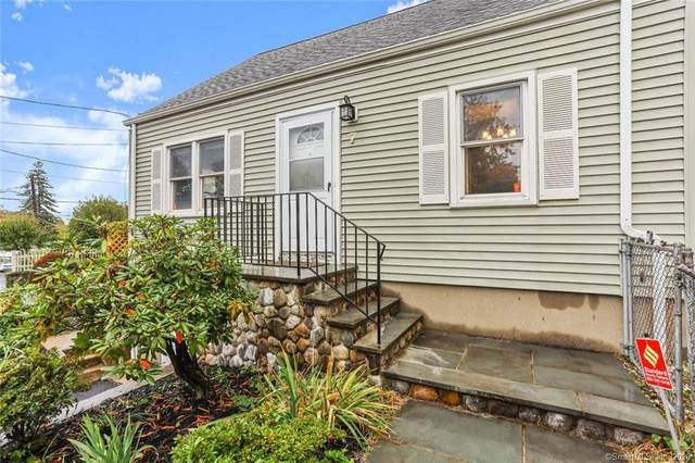 7 Reynolds Avenue, Stamford, CT 06905 (MLS #170347055) :: Frank Schiavone with William Raveis Real Estate