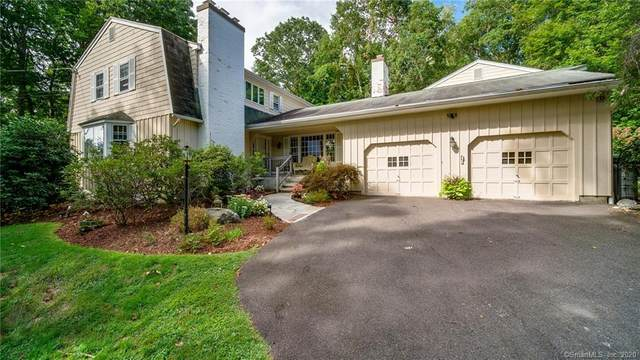 8 Stonewall Lane, Woodbridge, CT 06525 (MLS #170347179) :: Carbutti & Co Realtors