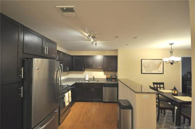 34 Schoolhouse Drive #309, West Hartford, CT 06110 (MLS #170347502) :: Michael & Associates Premium Properties | MAPP TEAM