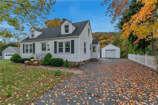8 Damen Drive, East Haven, CT 06512 (MLS #170348071) :: Frank Schiavone with William Raveis Real Estate