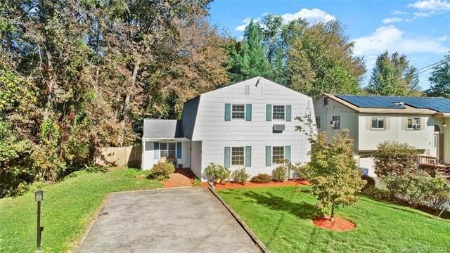 10 3 Seasons Court, Norwalk, CT 06851 (MLS #170348213) :: Spectrum Real Estate Consultants