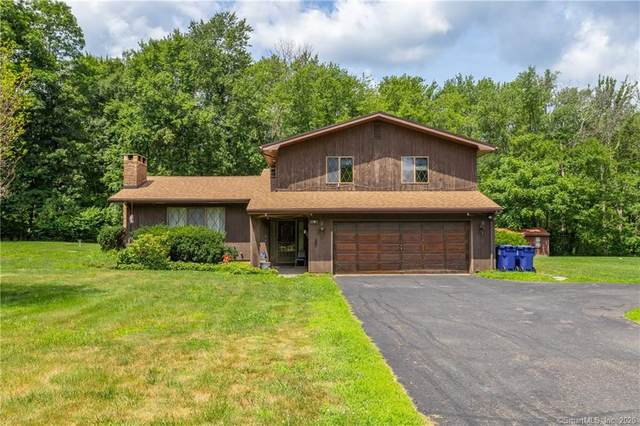9 Cherokee Drive, Danbury, CT 06811 (MLS #170348567) :: Frank Schiavone with William Raveis Real Estate